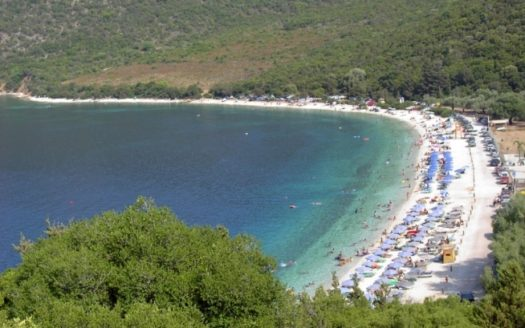 Antisamos beach in Sami Kefalonia